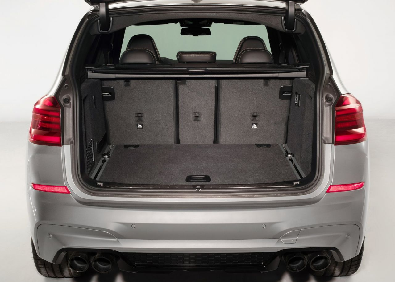 BMW M amplía su gama de modelos de altas prestaciones, incluyendo, por primera vez, modelos de los segmentos de tamaño medio Sports Activity Vehicle (SAV) y Sports Activity Coupe (SAC).H