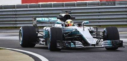 Mercedes W08 EQ Power + para seguir dominando