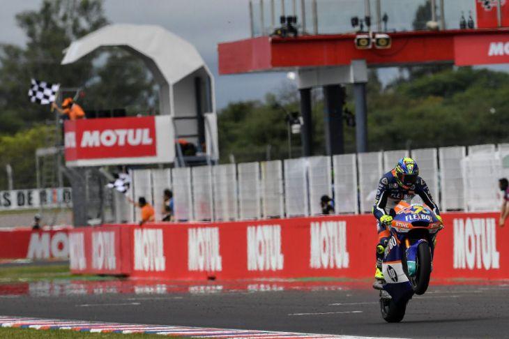 Baldasarri (Moto2) y Antonelli (Moto3), ganan en las carreras iniciales