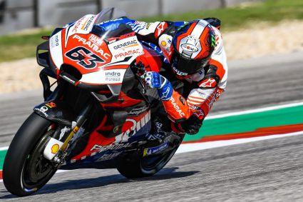 Los pilotos italianos marcan la pauta en la primera jornada de entrenamientos