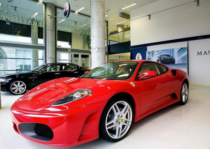 El mes cierra con 95.521 unidades de automóviles conun crecimiento del 2,3 %.