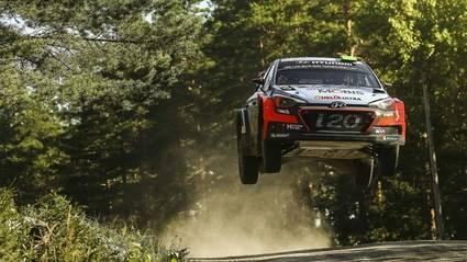 Rallye de Finlandia, el festival de los saltos