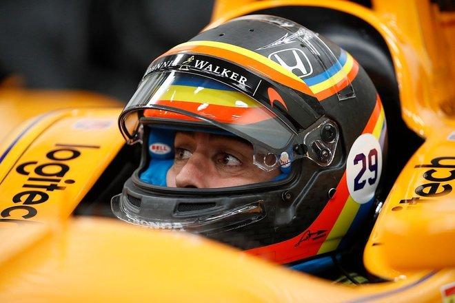 Alonso en tercer lugar por su participación en la Indy