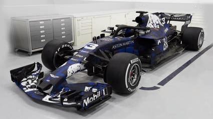 Red Bull nos enseña su monoplaza con una decoración provisional
