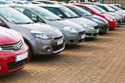 El Gobierno dará 4.000 euros por comprar un coche 'Cero' y hasta 800 euros por uno de combustión