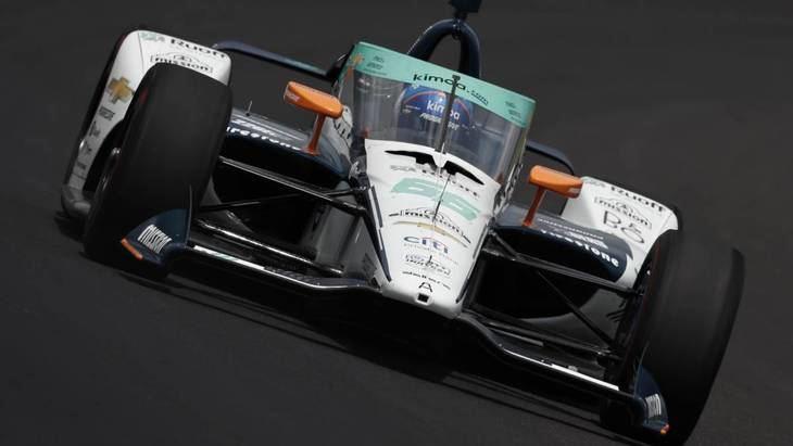 Fernando Alonso y Alex Palau en su primer día de test en Indianápolis