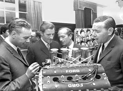 Cosworth cumple 60 años
