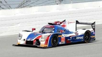 Fernando Alonso termina a pesar de los problemas