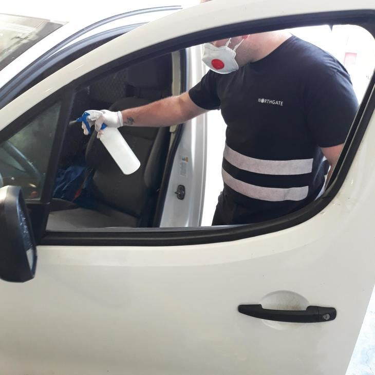7 consejos básicos para desinfectar tu vehículo