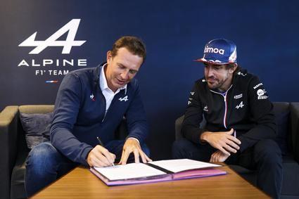 Fernando Alonso renueva su contrato con Alpine F1 Team