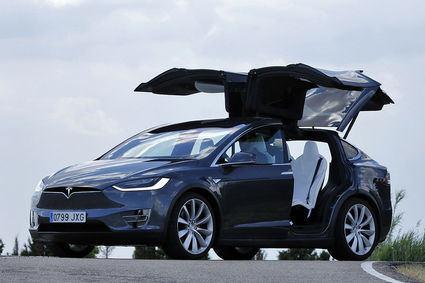 Tesla revisará a 15.000 Model X