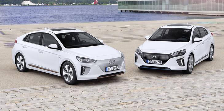El Hyundai IONIQ híbrido (23.900€), directo competidor del Toyota Prius (32.000 €)