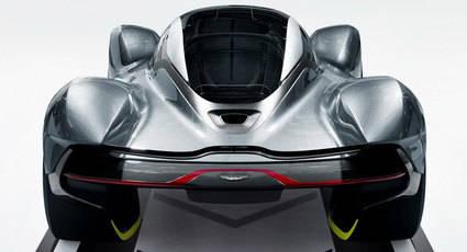 Aston Martin con motor Cosworth V12 de 6.5 litros