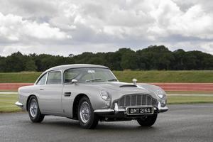 El Aston Martin DB5 de 007 vuelve a ver la luz