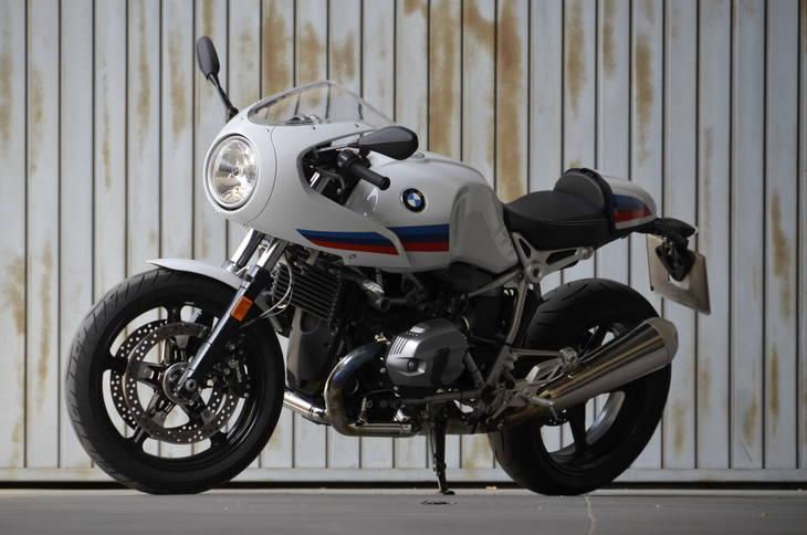 Prueba de la BMW R NineT Racer, una vuelta al pasado.