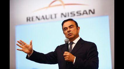 Carlos Ghosn dimite como Presidente de Renault antes de que le echen