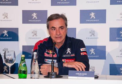 Carlos Sainz: 'El Dakar va a ser muy complicado, pero lo importante es ganar'