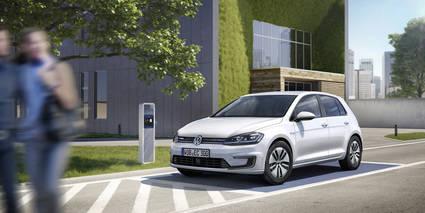 Más potencia y autonomía en el nuevo 'e-Golf'