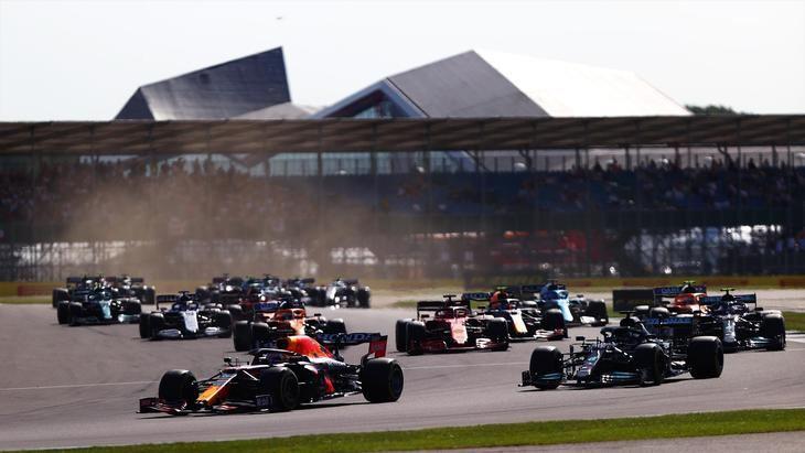 Verstappen gana la carrera Sprint en Silverstone y partirá desde la