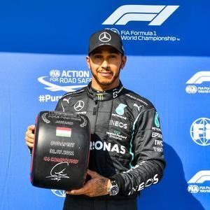 """Hamilton consigue la """"pole� con polémica"""
