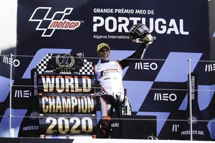 Arenas se alza Campeón del Mundo de Moto3