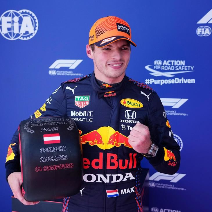 Verstappen consigue la pole por delante de los Mercedes