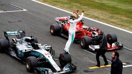 Hamilton cumplió los pronósticos con una vuelta estratosférica