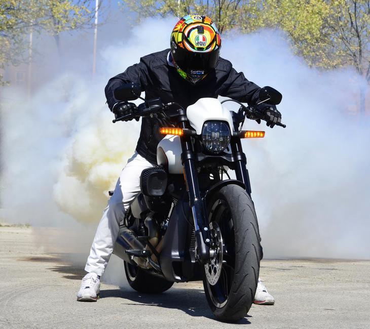 Harley-Davidson FXDR114
