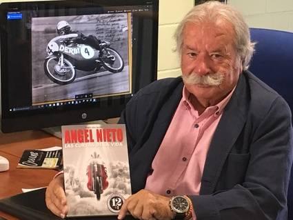 Tomás Díaz-Valdés y su libro 'Angel Nieto, Las curvas de la vida'