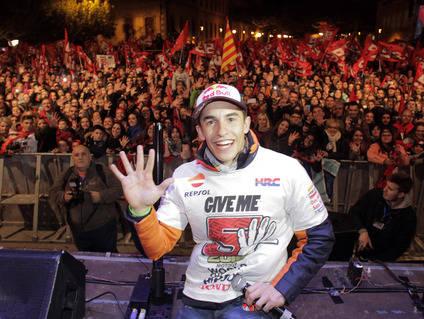Marc Márquez agasajado en su pueblo natal, Cervera