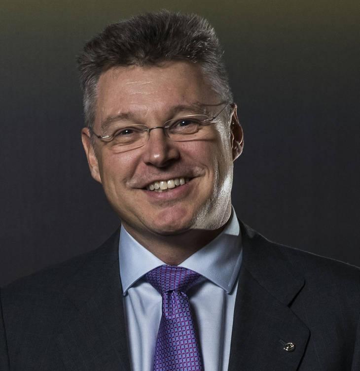 Jonathan Akeroyd nuevo director general comercial de Opel España