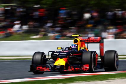 Pole de Hamilton y Red Bull delante de Ferrari