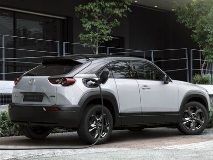 Mazda MX-30, el primer 100% eléctrico de la marca japonesa