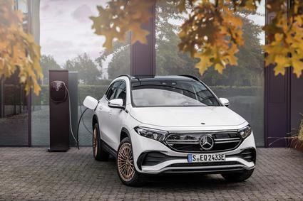 Mercedes Benz presenta el EQA con una autonomía de 426 kms.