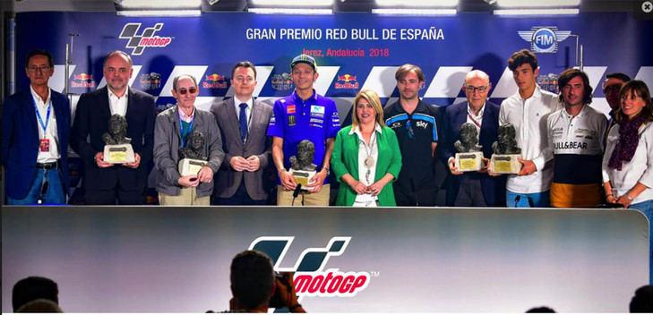 Rossi, Ezpeleta, Nieto, Paco Pacheco y Renault, galardonados