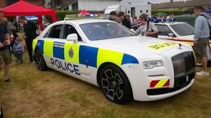 Rolls Royce Ghost Black Badge donado a la policía británica