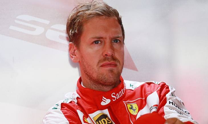 Vettel se defiende, Hamilton ataca