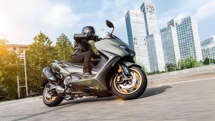 Nuevas Yamaha TMAX y TMAX Tech MAX
