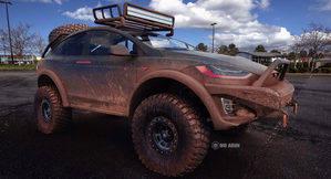 Este Tesla Model X parece sacado directamente del Dakar