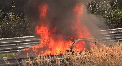 Un Porsche GT3 se incendió