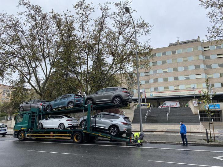 Hyundai cede 65 vehículos a hospitales