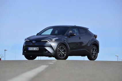 Toyota CH-R, la fórmula del éxito: SUV, híbrido y mucho diseño