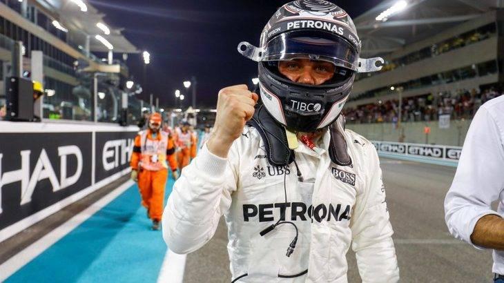 Bottas sorprende a Hamilton