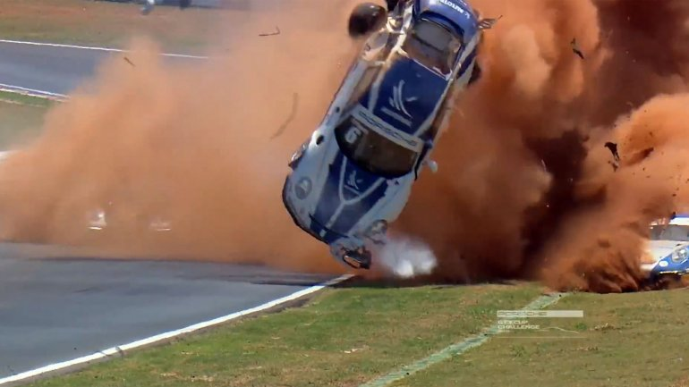 video automovilismo accidente: