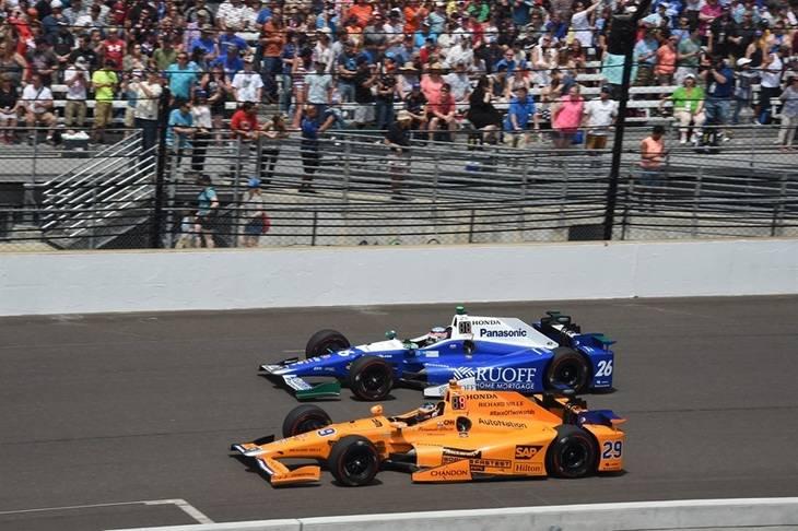 Indy 500: Alonso rompe a falta de 20 vueltas