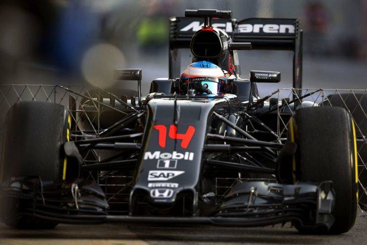 Alonso dio 119 vueltas sin problemas