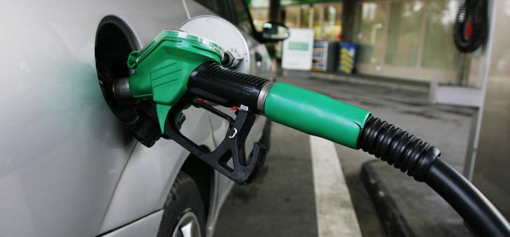 El petróleo bajó un 45% en 2014