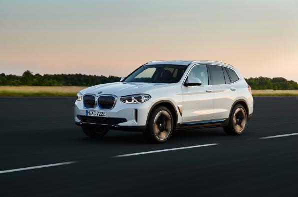 BMW iX3 completamente eléctrico