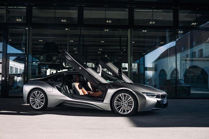 El BMW i8 Coupé y el BMW i8 Roadster se acercan al final de su producción