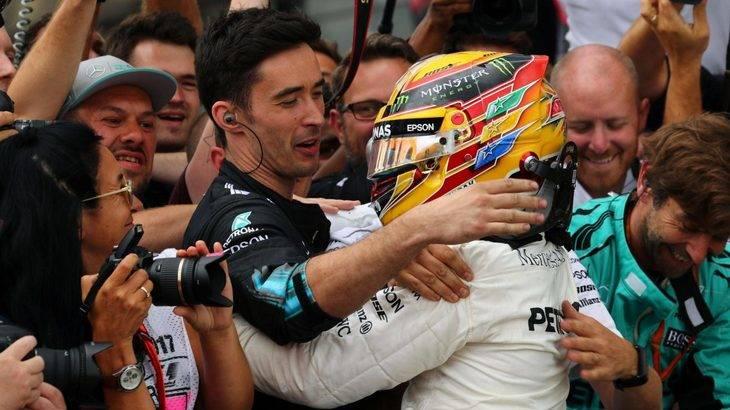 Hamilton es invencible en Silverstone